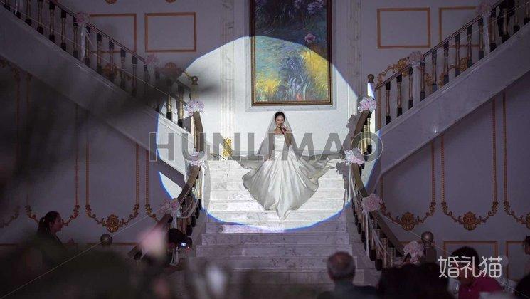 玫瑰庄园婚礼会馆-玫瑰庄园婚礼会馆-巴黎璀璨厅-扶梯2