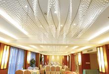 龙威酒店-