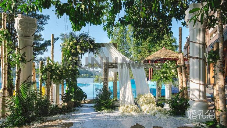 白云湖畔酒店-